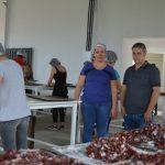 Prefeito Fernando Fernandes visita a instalação da nova fábrica da cidade
